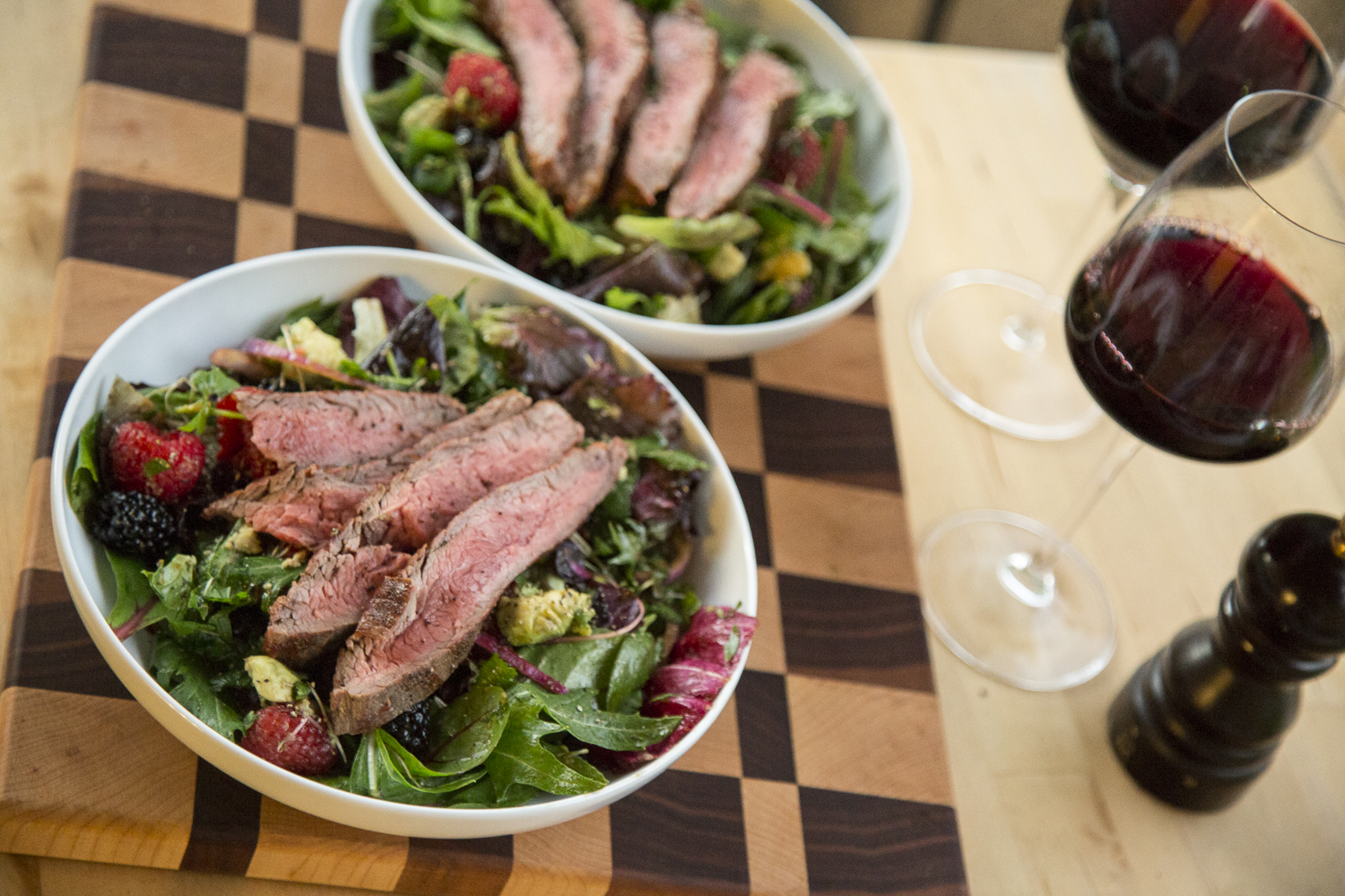 Balsamic Berry Steak Salad